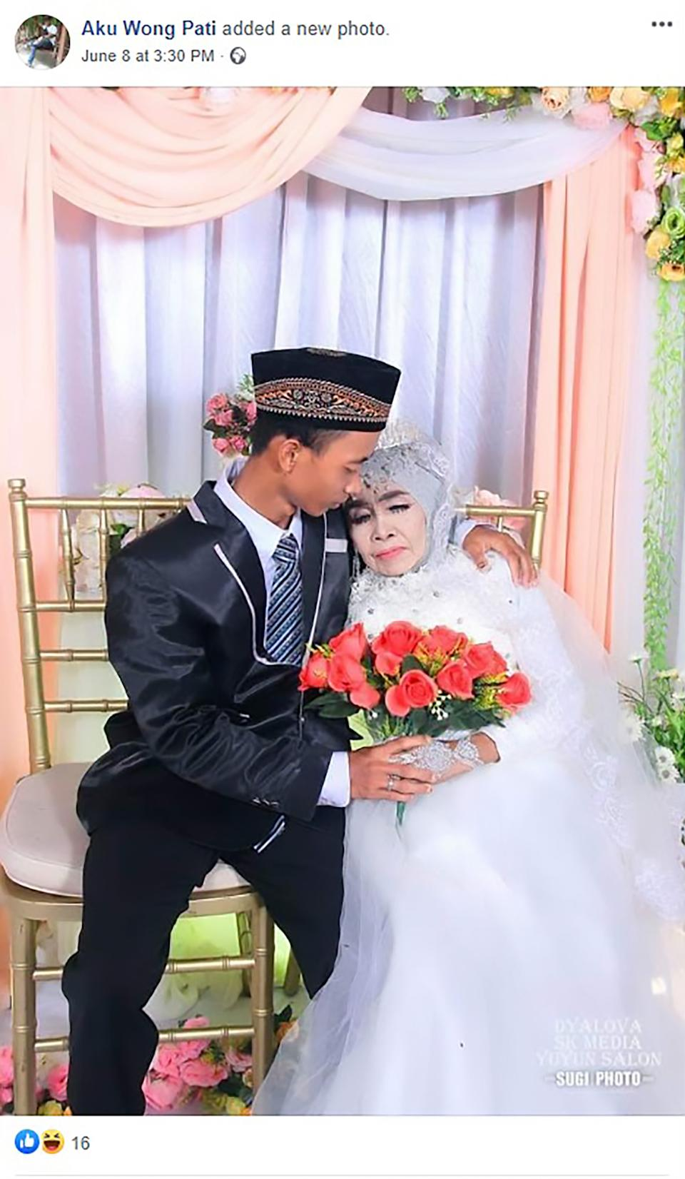 Mbah Gambreng, 65, adopted Ardi Waras are seen on their wedding day. Source: CEN/Australscope