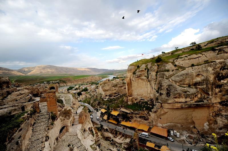 Hasankeyf, on the banks of the Tigris and the site of a hyrdoelectric dam project that could displace thousands of people (AFP Photo/Bulent Kilic)