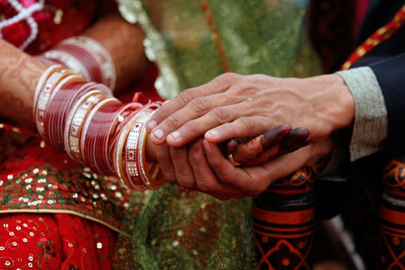 UP Man Arrives Late at Own Wedding, Miffed Bride Finds Herself Another Groom