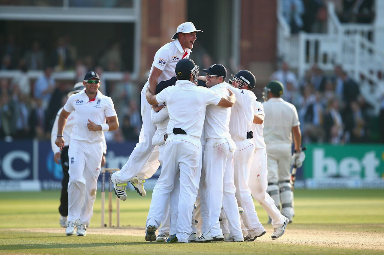 LONDON, ENGLAND - JULY 21:  Stuart Broad of England celebrates with his teammates after Graeme Swann of England took the final wicket to claim victory during day four of the 2nd Investec Ashes Test match between England and Australia at Lord's Cricket Ground on July 21, 2013 in London, England.  (Photo by Ryan Pierse/Getty Images)