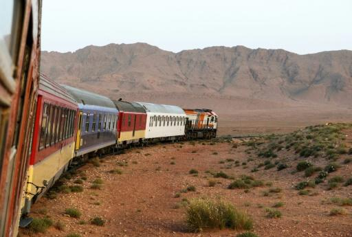 Morocco tourists make tracks on 007's 'desert express'