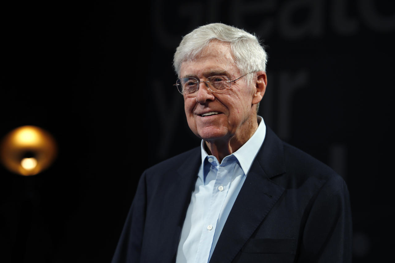 Anche per Charles Koch, fratello del defunto David, il patrimonio è di 62,1 miliardi di dollari. (AP Photo/David Zalubowski, File)