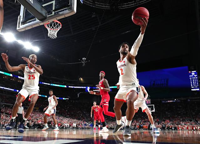 Braxton Key #2 of the Virginia Cavaliers controls ball against the Texas Tech Red Raiders in the second half during the 2019 NCAA men's Final Four National Championship game at U.S. Bank Stadium on April 08, 2019 in Minneapolis, Minnesota. (Photo by Tom Pennington/Getty Images)