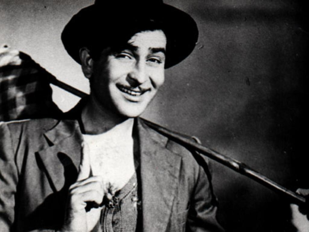 Raj Kapoor: Prithviraj's son, Raj Kapoor was known as the most glamorous star of Bollywood during his peak time. He was the undisputed king of Bollywood in the 1950s and 1960s.