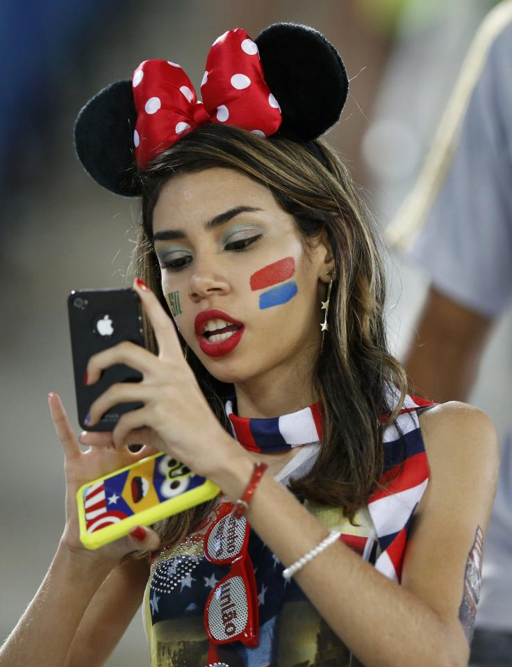 A USA supporter waits for the start of the 2014 World Cup Group G soccer match between USA and Ghana at the Dunas arena in Natal June 16, 2014. REUTERS/Toru Hanai (BRAZIL - Tags: SOCCER SPORT WORLD CUP)