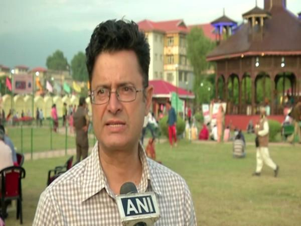 Visual of the crafts mela in Kashmir valley (Photo/ANI)