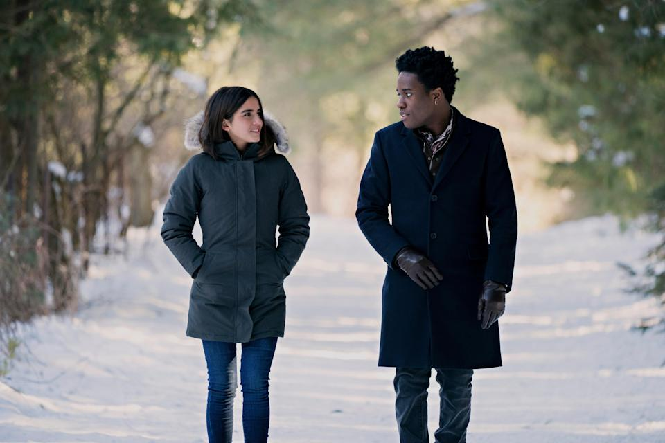 The multiple storylines (and romances) in this movie are based on the book by John Green, Lauren Myracle, and Maureen Johnson. It's not unlike a teen version of another modern holiday classic—<em>Love, Actually</em>.