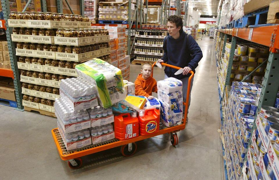 """<p>If you've ever shopped at Costco, you'll know that the <a href=""""https://www.businessinsider.com/costco-tips-that-will-save-you-money#bring-your-own-bags-11"""" rel=""""nofollow noopener"""" target=""""_blank"""" data-ylk=""""slk:brand doesn't offer bags"""" class=""""link rapid-noclick-resp"""">brand doesn't offer bags</a>. To avoid having to pick through a bin of Costco cardboard boxes, make sure to pack plenty of reusable bags for your shopping expedition. </p>"""