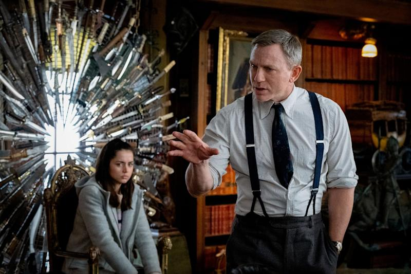KNIVES OUT, from left: Ana de Armas, Daniel Craig, 2019. ph: Claire Folger / Lionsgate / courtesy Everett Collection