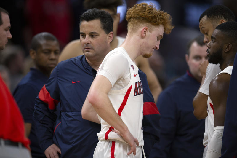 John's stops at No. 16 to stun Arizona