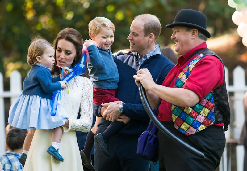 VICTORIA, BC - SEPTEMBER 29: (NO UK SALES FOR 28 DAYS) Prince William, Duke of Cambridge, Catherine, Duchess of Cambridge, Prince George of Cambridge and Princess Charlotte of Cambridge attend a children's party for Military families during the Royal Tour of Canada on September 29, 2016 in Victoria, Canada. (Photo by Pool/Sam Hussein/WireImage)