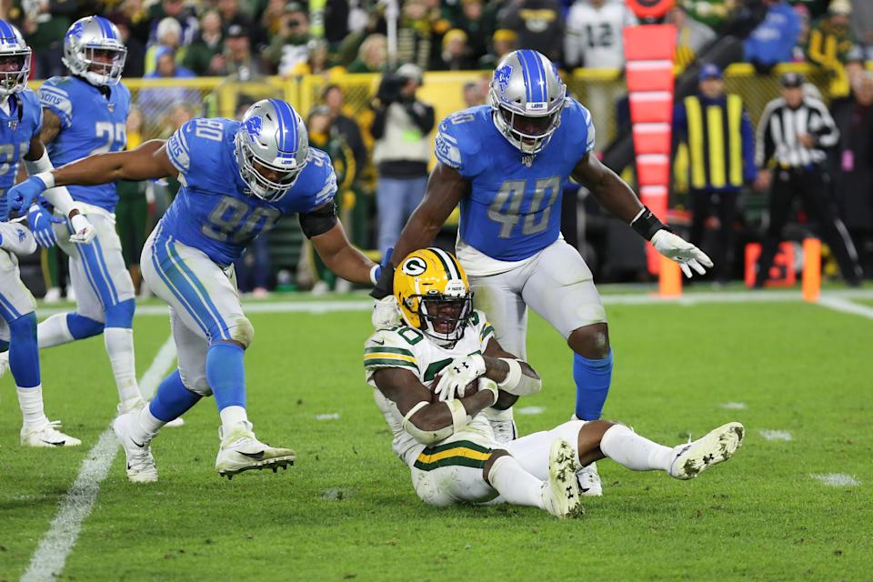 Trey Flowers (90) and the Detroit Lions were the latest victims of the NFL's horrible officiating to start this season. (Getty)