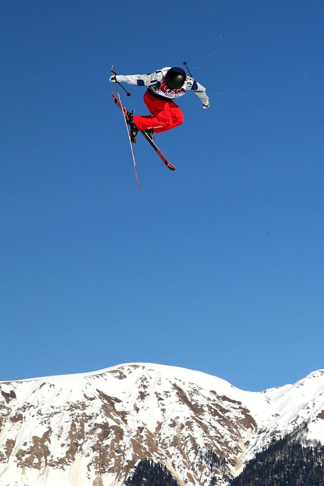 SOCHI, RUSSIA - FEBRUARY 13: Gus Kenworthy of the United States competes in the Freestyle Skiing Men's Ski Slopestyle Finals during day six of the Sochi 2014 Winter Olympics at Rosa Khutor Extreme Park on February 13, 2014 in Sochi, Russia. (Photo by Cameron Spencer/Getty Images)