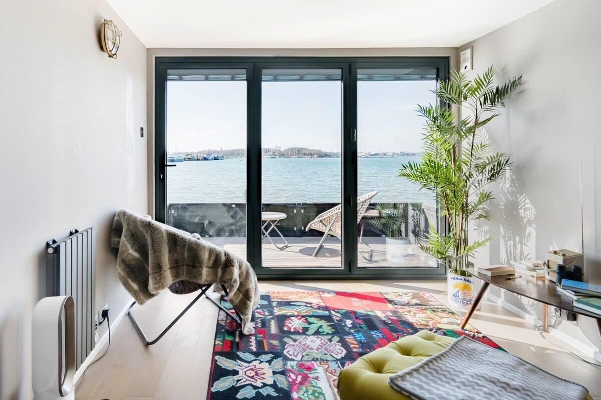"""<p>With its incredible sea views and sunsets enjoyed from the living room, this <a href=""""https://go.redirectingat.com?id=127X1599956&url=https%3A%2F%2Fwww.airbnb.co.uk%2Frooms%2Fplus%2F23918492%3Fsource_impression_id%3Dp3_1590943167_vDcMJL%252BMgG45b%252FP5%26guests%3D1%26adults%3D1&sref=https%3A%2F%2Fwww.redonline.co.uk%2Ftravel%2Ftravel-guides%2Fg32739710%2Fbeach-cottages-uk%2F"""" target=""""_blank"""">beach cottage</a> in Portchester is the perfect size for a romantic trip. The interior space is open plan with a cool, contemporary and cosy vibe. There's a four-poster king-sized bed and walk-in shower, plus remote-controlled blinds so you don't have to get out of bed to enjoy the view. Outside, there's a BBQ grill for alfresco dining and a waterfront patio for taking in that sea air.</p><p><strong>Sleeps:</strong> 2</p><p><strong>Price per night:</strong> £130</p><p><strong>Available from: </strong><a href=""""https://go.redirectingat.com?id=127X1599956&url=https%3A%2F%2Fwww.airbnb.co.uk%2Frooms%2Fplus%2F23918492%3Fsource_impression_id%3Dp3_1590943167_vDcMJL%252BMgG45b%252FP5&sref=https%3A%2F%2Fwww.redonline.co.uk%2Ftravel%2Ftravel-guides%2Fg32739710%2Fbeach-cottages-uk%2F"""" target=""""_blank"""">Airbnb</a></p>"""