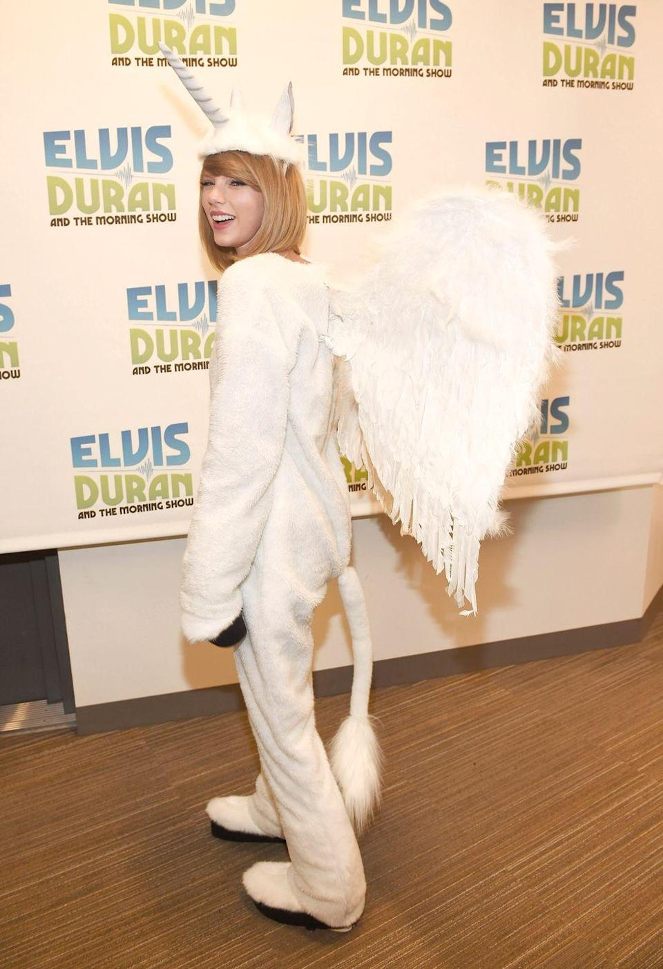 <p>It's fitting that the world's most magical pop star chose one of the most magical creatures as her Halloween costume. </p>