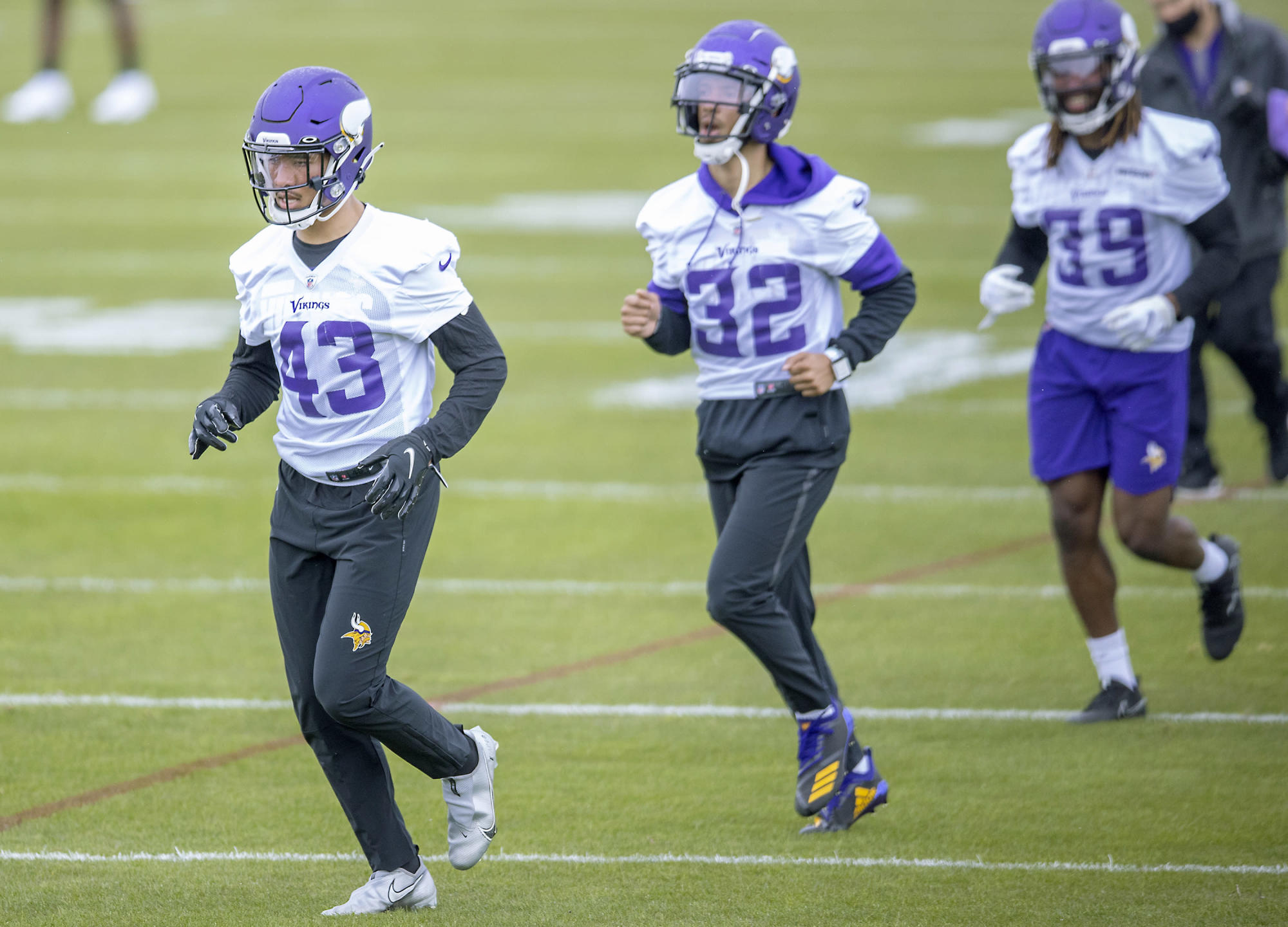One player to watch at each defensive position group heading into Vikings training camp
