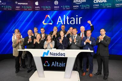 Matt Murphy, Material Sciences Corporation chief technology officer (back row, arm raised) and Pat Murley, MSC CEO (front row, second from right) joined Altair Engineering leadership and fellow winners of the 2019 Altair Enlighten Award at the Nasdaq Market Site last week to ring the Opening Market Bell.