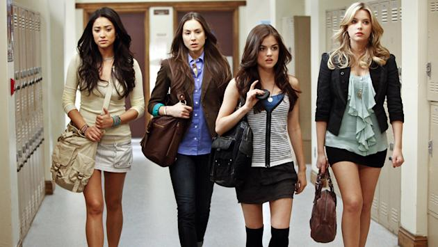 Pretty Little Liars recap: 'These Boots Were Made For Stalking'