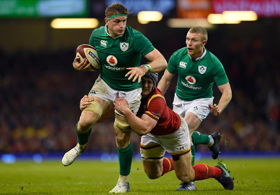 CARDIFF, WALES - MARCH 10:  Jamie Heaslip of Ireland is tackled by Jonathan Davies of Wales during the Six Nations match between Wales and Ireland at the Principality Stadium on March 10, 2017 in Cardiff, Wales.  (Photo by Stu Forster/Getty Images)