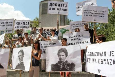 Scientists in Serbia Protest against Dire Financial Situation