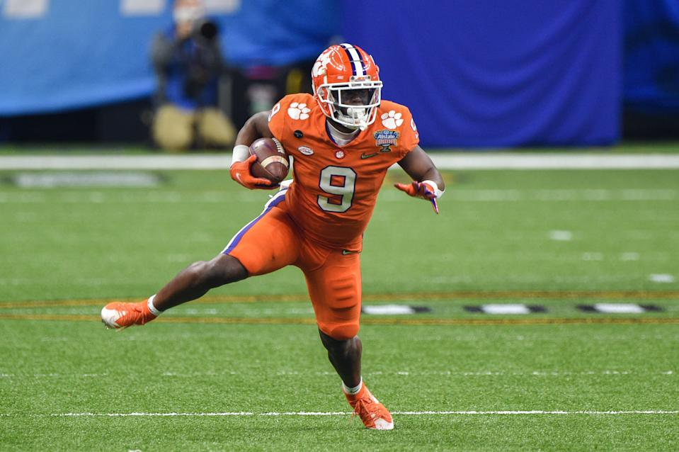 NEW ORLEANS, LA - JANUARY 01: Clemson Tigers running back Travis Etienne (9) finds open field during the Allstate Sugar Bowl College Football Playoff Semifinal between the Ohio State Buckeyes and Clemson Tigers at the Mercedes-Benz Superdome on January 1, 2021 in New Orleans, LA. (Photo by Ken Murray/Icon Sportswire via Getty Images)