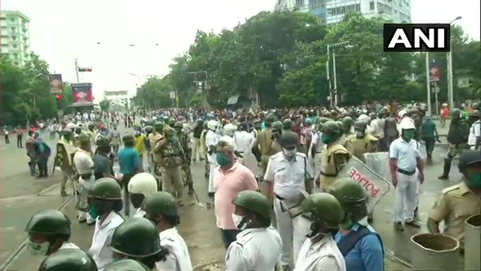 West Bengal Police and BJP workers clash during 'march to Nabanna'