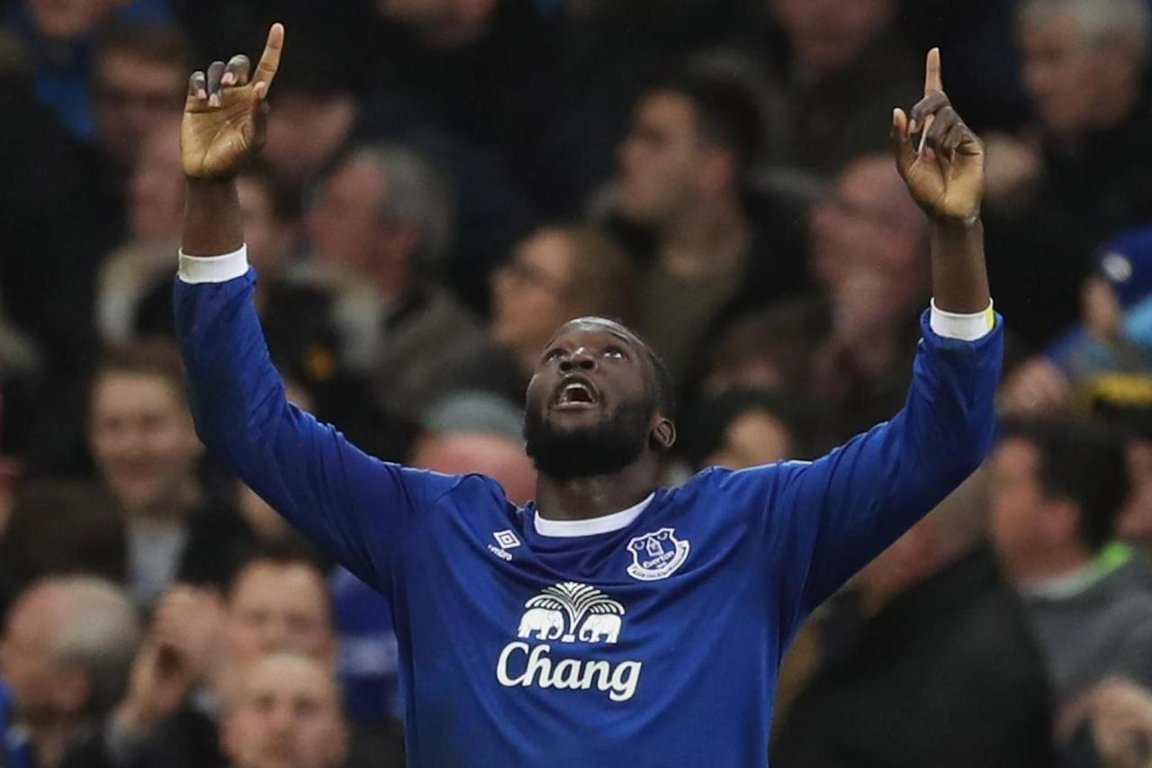 Everton 4 Hull 0: Romelu Lukaku caps off rout to move level on points with Arsenal