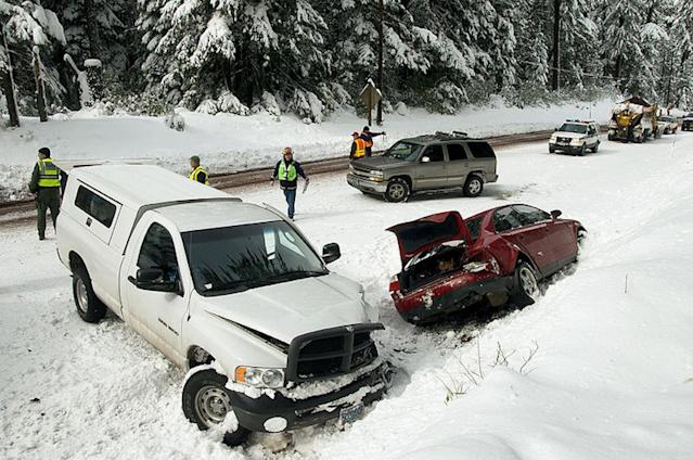 "A weather-related multi-car crash in 2009. <a href=""https://commons.wikimedia.org/wiki/File:Weather-related_multi-car_crash_(5495544216).jpg"" rel=""nofollow noopener"" target=""_blank"" data-ylk=""slk:Source: Wikimedia Commons"" class=""link rapid-noclick-resp"">Source: Wikimedia Commons</a>"