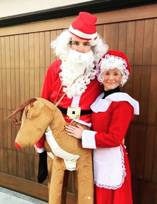 """<p>Who says you can't bring the Christmas spirit to Halloween? Not Dax Shepard and Kristen Bell, who <a href=""""https://www.instagram.com/p/B4TY1q5pbQb/?utm_source=ig_web_copy_link"""" rel=""""nofollow noopener"""" target=""""_blank"""" data-ylk=""""slk:donned Santa and Mrs. Claus"""" class=""""link rapid-noclick-resp"""">donned Santa and Mrs. Claus</a> suits while their kiddos dressed as reindeer and Christmas trees. Gotta say, love the creativity! </p>"""
