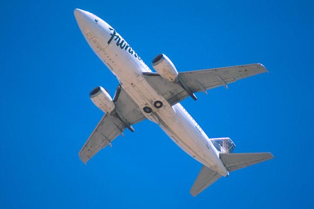 AP271F Frontier Airlines boeing 737 in flight plane airplane
