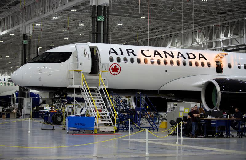 Air Canada to use government subsidies to keep employees on payroll