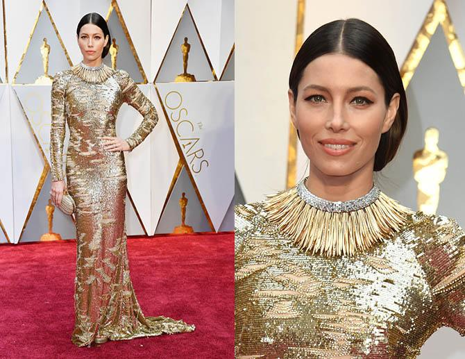 US actress Jessica Biel arrive on the red carpet for the 89th Oscars on February 26, 2017 in Hollywood, California. / AFP / VALERIE MACON (Photo credit should read VALERIE MACON/AFP/Getty Images)