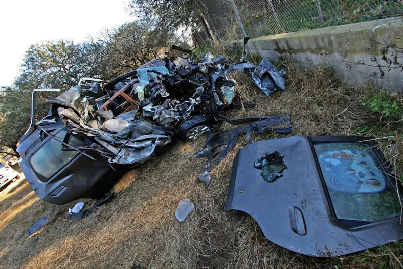 The car in which the nephew of Pope Francis, Emanuel Horacio Bergoglio, and his family were travelling when they crashed into a truck near James Craik, on a road in the Argentine central province of Cordoba, on August 19, 2014 (AFP Photo/Marcelo Caceres)