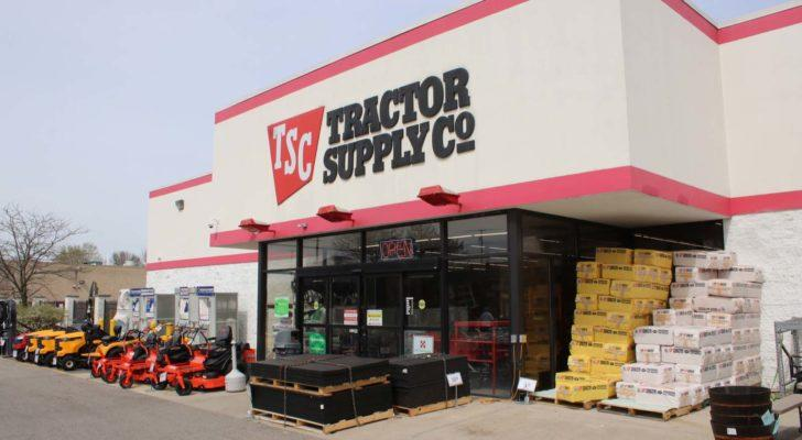 Retail Stocks to Buy (According to Goldman): Tractor Supply (TSCO)