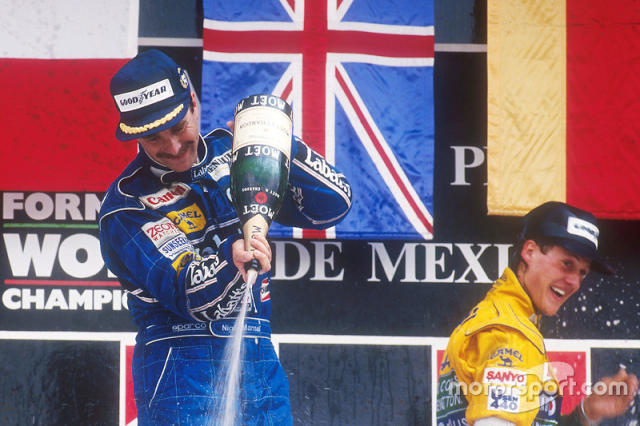 "Podium : Nigel Mansell et Michael Schumacher <span class=""copyright"">Williams F1</span>"