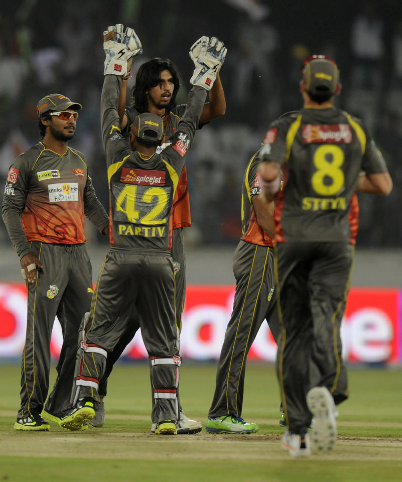 Ishant Sharma of Sunrisers Hyderabad celebrates the wicket of Mahela Jayawardene captain of Delhi Daredevils during match 48 of the Pepsi Indian Premier League between The Sunrisers Hyderabad and Delhi Daredevils held at the Rajiv Gandhi International  Stadium, Hyderabad  on the 4th May 2013..Photo by Pal Pillai-IPL-SPORTZPICS ..Use of this image is subject to the terms and conditions as outlined by the BCCI. These terms can be found by following this link:..https://ec.yimg.com/ec?url=http%3a%2f%2fwww.sportzpics.co.za%2fimage%2fI0000SoRagM2cIEc&t=1503462856&sig=T33QmPc9h2nUk1nuUjdj1A--~D