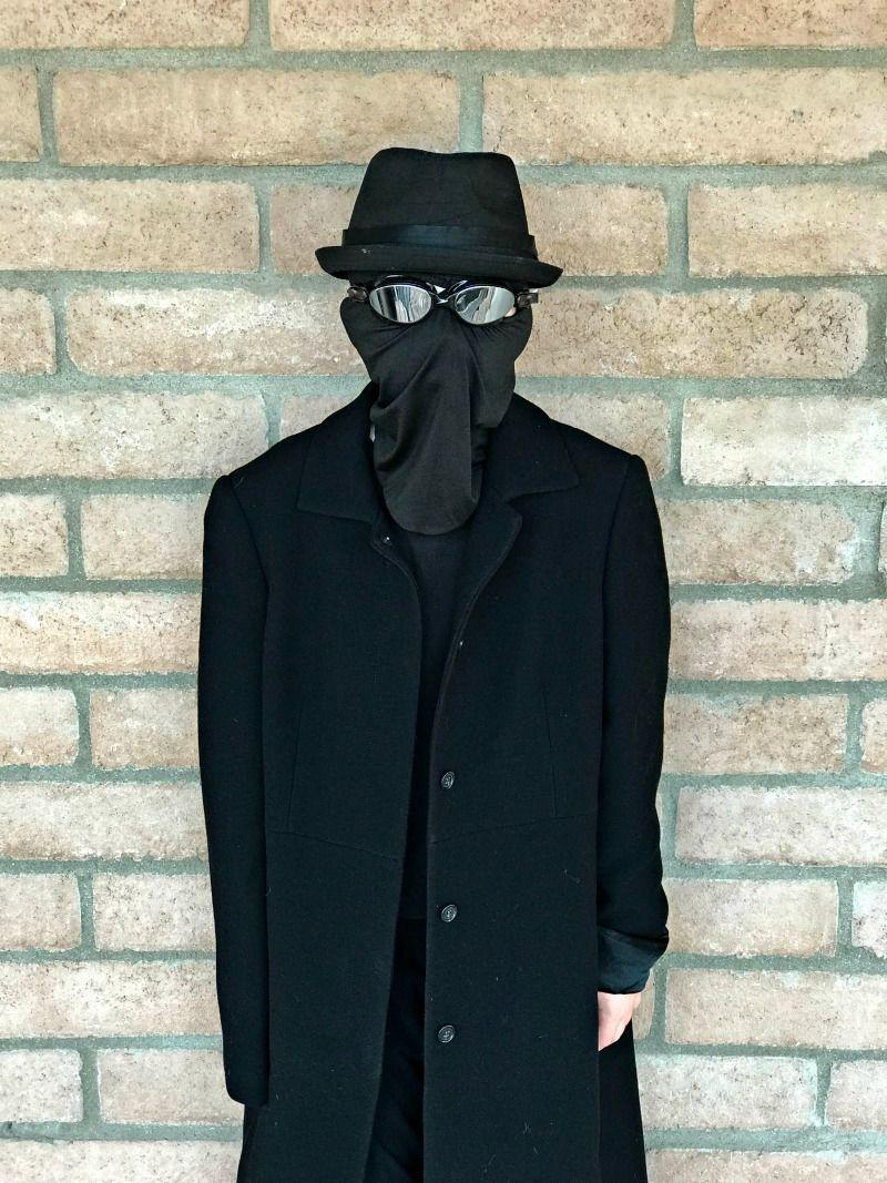 """<p>Want to dress up as your favorite superhero but tired of the same red-and-blue look? Try one of Spider-Man's alternate selves and dress as Spider-Man Noir, the moody detective played by Nicolas Cage in <em>Spider-Man: Into The Spider-Verse</em>.<br></p><p><em><a href=""""https://desertchica.com/diy-spider-man-noir-costume/"""" rel=""""nofollow noopener"""" target=""""_blank"""" data-ylk=""""slk:Get the tutorial at Desert Chica »"""" class=""""link rapid-noclick-resp"""">Get the tutorial at Desert Chica »</a></em></p>"""