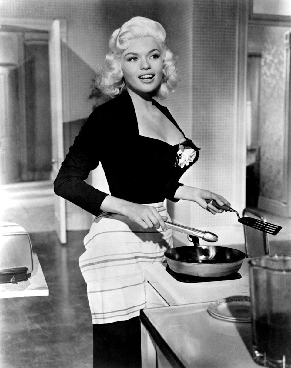 <p>Mansfield's first starring role was in Fox's musical comedy, <em>The Girl Can't Help It</em>. The movie did well with both critics and box offices (earning more than Monroe's debut film, <em>Gentlemen Prefer Blondes</em>) and won Mansfield a Golden Globe for Best New Star of the Year.</p>