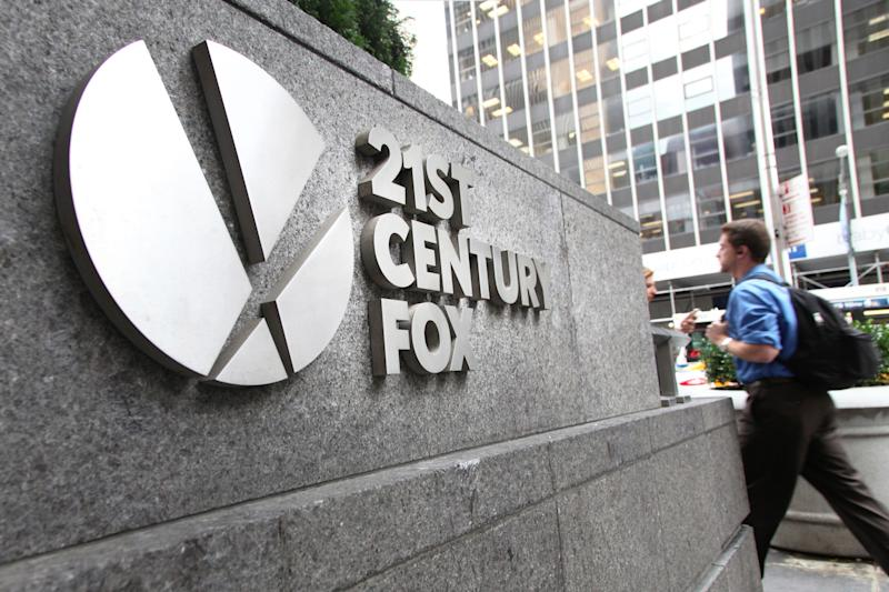 Yacktman Asset Management LP Maintains Position in Twentyfirst Cen Fox B