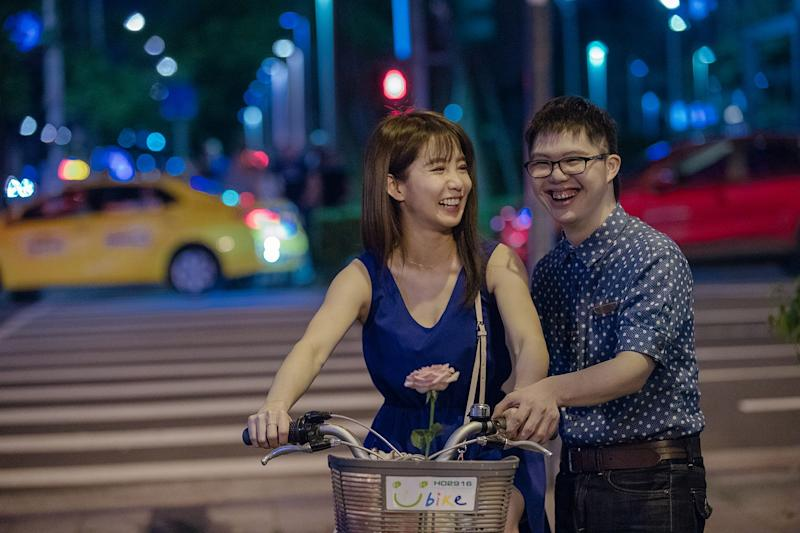 Kuo Shu Yao (left) and Leo Tsai in A Fool In Love, Love Like A Fool. (PHOTO: Clover Films)