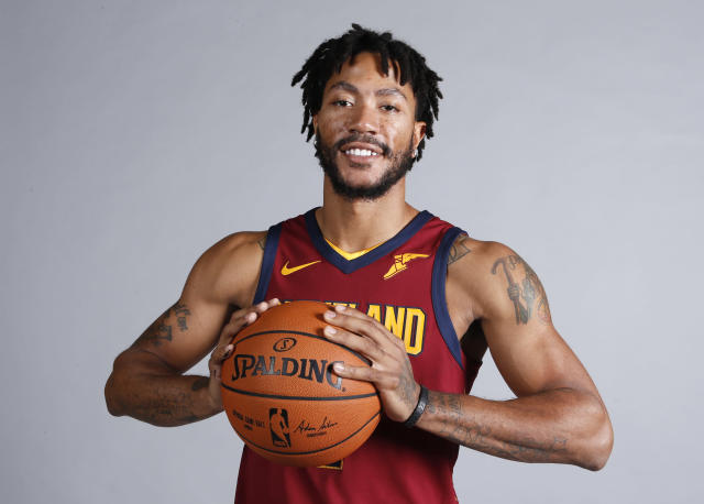 "<a class=""link rapid-noclick-resp"" href=""/nba/players/4387/"" data-ylk=""slk:Derrick Rose"">Derrick Rose</a> is entering his 10th NBA season. (AP Photo/Ron Schwane)"