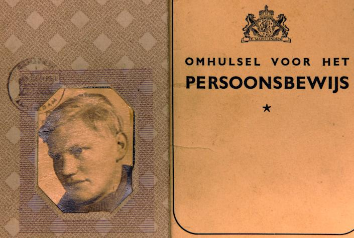 An identification card of Cornelis Marinus Brouwenstijn is seen in the archive at the International Tracing Service (ITS) in Bad Arolsen, Germany, Thursday, Nov. 9, 2006. Brouwenstijn, is a Dutchman who vanished into the Nazi gulag at age 22 for illegally possessing a radio. (AP Photo/Michael Probst)