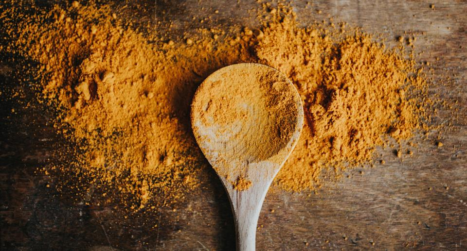 Spices like turmeric can help reduce inflammation. (Photo: Getty Images)