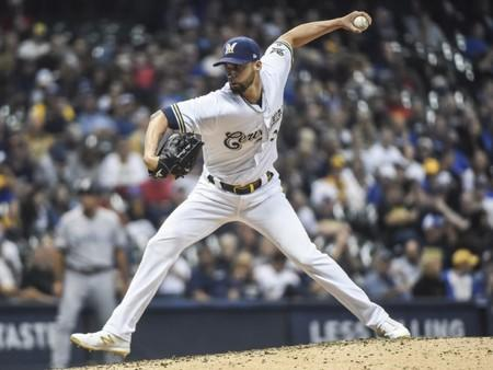 Spangenberg sparks Brewers to win over Padres
