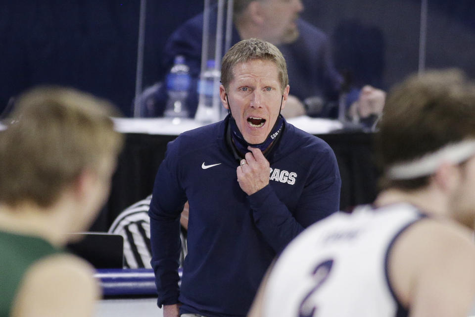 Gonzaga head coach Mark Few shouts to his players during the second half of an NCAA college basketball game against San Francisco in Spokane, Wash., Saturday, Jan. 2, 2021. (AP Photo/Young Kwak)