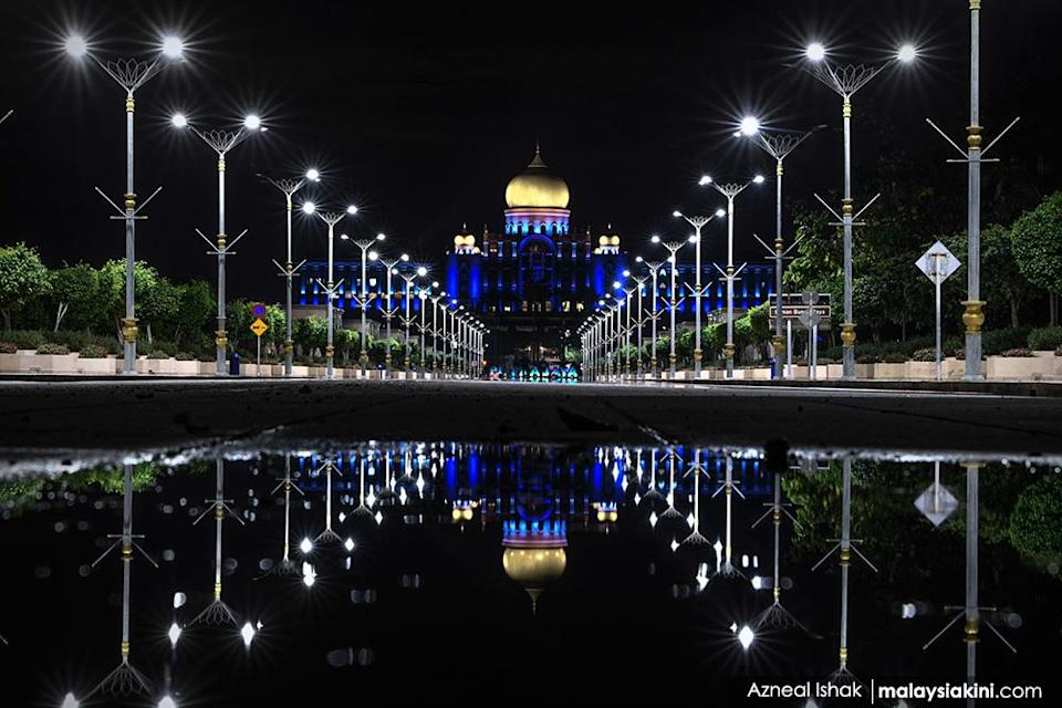 The prime minister's office illuminated with blue lights as they take part in the 'Light it Blue' campaign to show support for health workers and other frontliners on Apr 30, 2020.