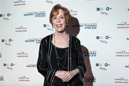 Comedian and actress Carol Burnett arrives on the red carpet before being presented the 2013 Mark Twain Prize for American Humor at the Kennedy Center in Washington October 20, 2013. REUTERS/Jonathan Ernst