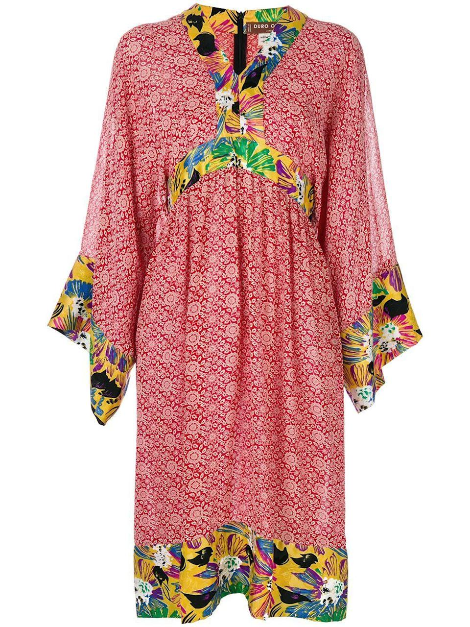 """<p><strong>Duro Olowu Vintage</strong></p><p>farfetch.com</p><p><strong>$1676.00</strong></p><p><a href=""""https://go.redirectingat.com?id=74968X1596630&url=https%3A%2F%2Fwww.farfetch.com%2Fshopping%2Fwomen%2Fduro-olowu-vintage-2000-floral-print-tunic-dress-item-10556039.aspx&sref=https%3A%2F%2Fwww.harpersbazaar.com%2Fwedding%2Fplanning%2Fg33647953%2Ffourth-anniversary-gift-ideas%2F"""" rel=""""nofollow noopener"""" target=""""_blank"""" data-ylk=""""slk:SHOP NOW"""" class=""""link rapid-noclick-resp"""">SHOP NOW</a></p><p>A floral dress made of linen or silk can be worn around the house, for a day date around town, or dressed up for dinner. Plus, it has the added bonus of tapping into the traditionally English gift for year #4, which is something chic made of linen or silk.</p>"""