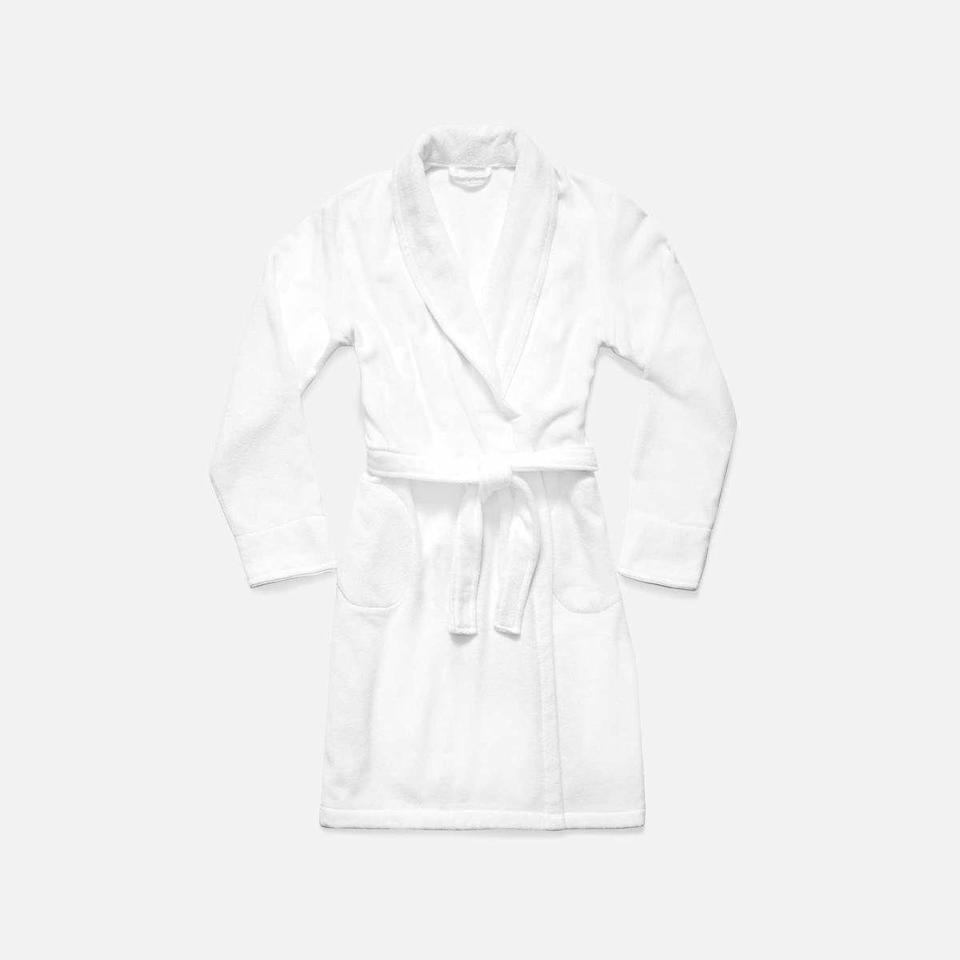 "<p><strong>Brooklinen</strong></p><p>brooklinen.com</p><p><strong>$83.98</strong></p><p><a href=""https://go.redirectingat.com?id=74968X1596630&url=https%3A%2F%2Fwww.brooklinen.com%2Fcollections%2Faccessories%2Fproducts%2Fsuper-plush-robe%3Fvariant%3D32920650809434&sref=https%3A%2F%2Fwww.womansday.com%2Flife%2Fg35755958%2Fstepmom-gifts%2F"" rel=""nofollow noopener"" target=""_blank"" data-ylk=""slk:Shop Now"" class=""link rapid-noclick-resp"">Shop Now</a></p><p>It's all in the name. Brooklinen's ""Super-Plush"" robe would make a great gift for any stepmom. One reviewer wrote, ""It's so comfy, and on hard mornings where I'm especially tired, it's my #1 motivator to get out of bed. Sipping my coffee with this robe on turns every weekday morning into a mini spa experience."" What's not to love? </p>"