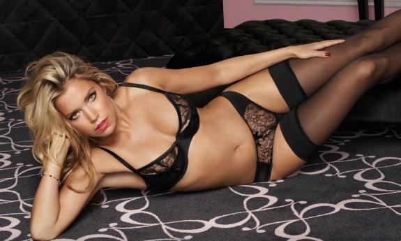 "Sylvie Meis in ""The Sylvie Collection by Hunkemöller"" (Foto: Hunkemöller)"